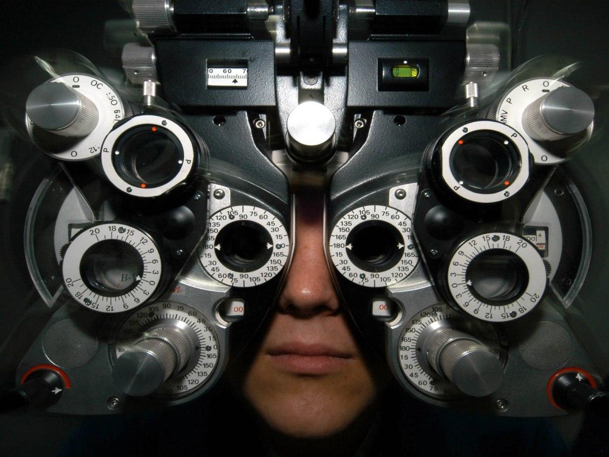 Optometrist machine. (Public domain.)